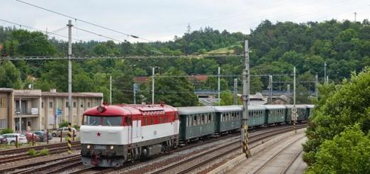 """2. pár zvláštního vlaku v relaci Brno-Blansko-Brno se kvůli dočasné """"slabosti"""" 475.101 chopila další brněnská perla - T478.1001 se blíží k do poloviny své cesty, tedy na nádraží do Blanska"""