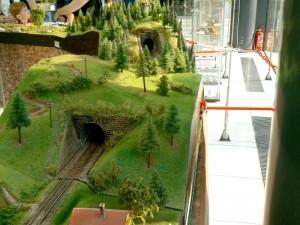 Na modelovom koľajisku slovenských tratí nesmú chýbať ani tunely.