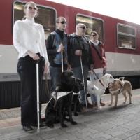 nevidiaci vlak