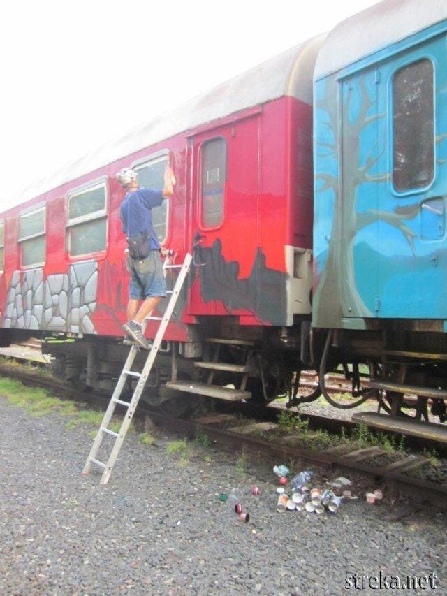 Paint the Train